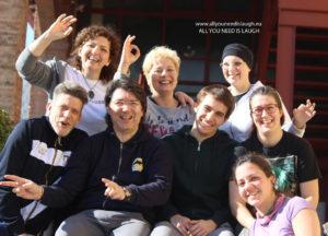 Un gruppo di persone durante il corso Laughter Yoga Leader della Laughter Yoga Uniersity